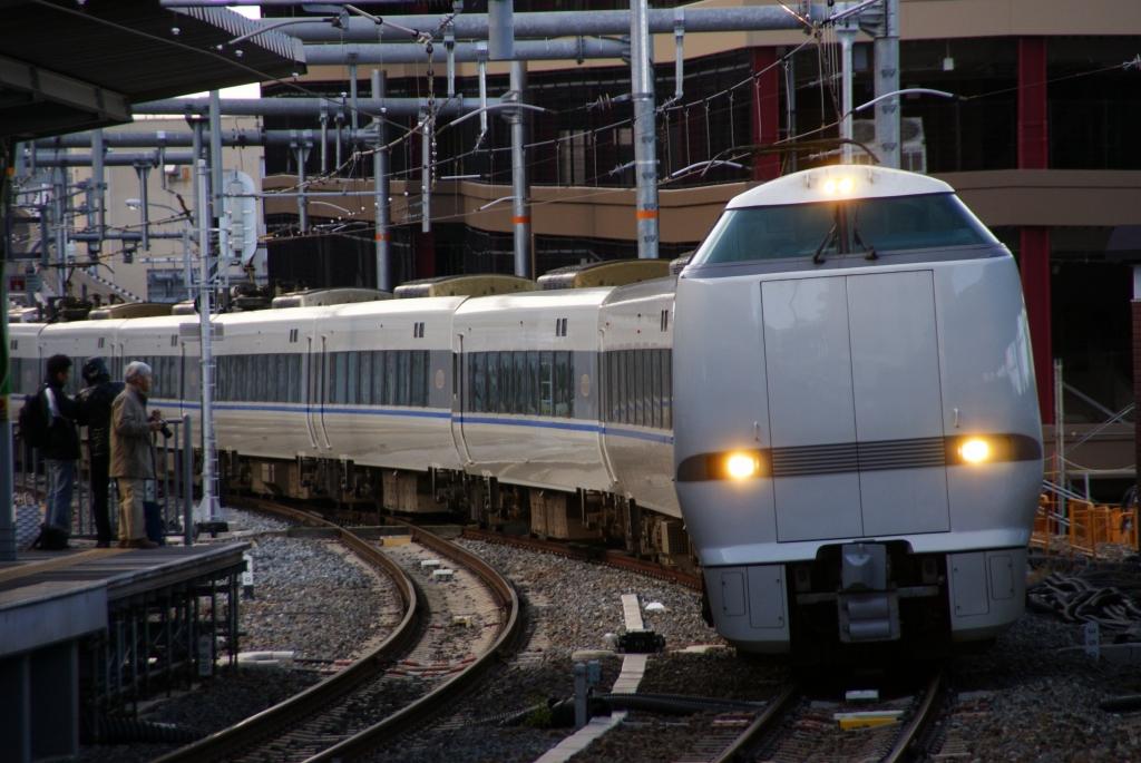【JR西日本】5/16から特急「サンダーバード」「くろしお」等を3-5割程度減便へ…コロナの影響で