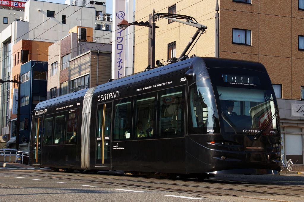 【富山ライトレール】2020年春以降、ライトレール区間を77年ぶりに富山地方鉄道が運営へ