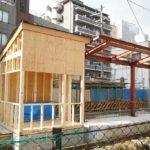 【阪堺】恵美須町駅、新ホームに屋根の取り付けが始まる…