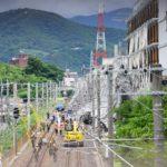 【JR大和路線】柏原市役所新庁舎工事中の足場が倒れ、終日運休に。おおさか東線へも被害が…